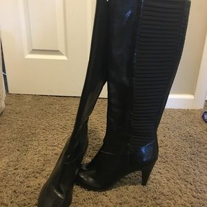 Long and sexy black boots!